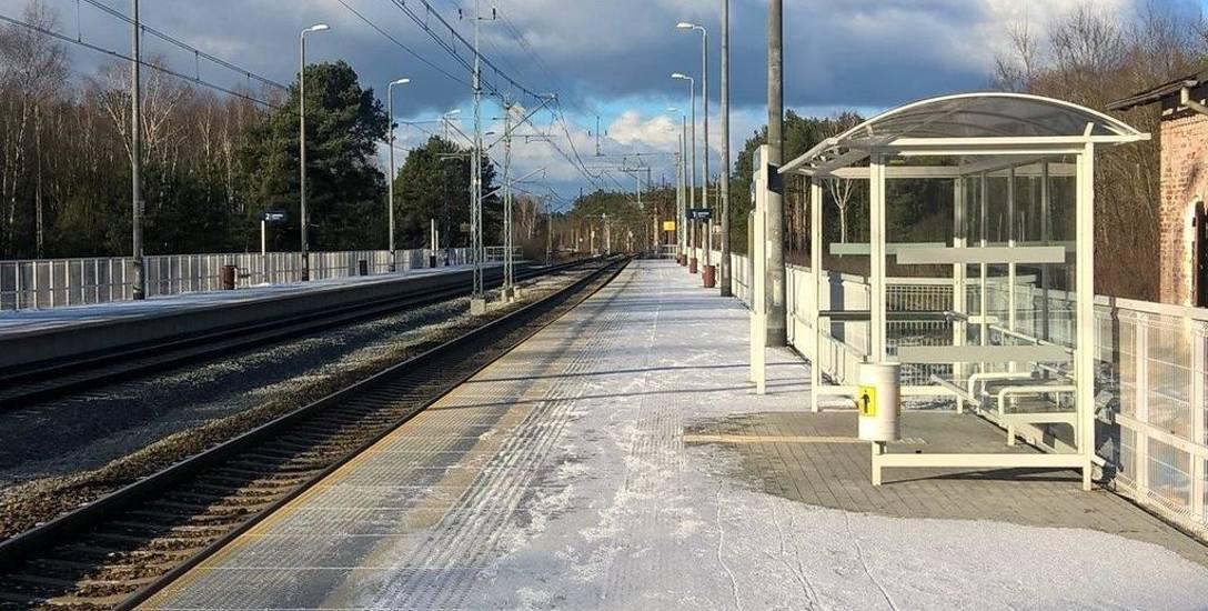Coraz mniej pociągów zatrzymuje się na stacji w Bytnicy, która nie tak dawno została odnowiona.