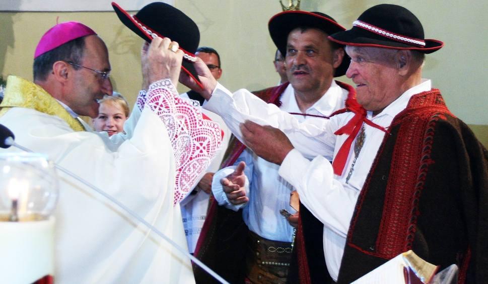 Film do artykułu: Biskup San Marino Honorowym Gazdą Gorczańskim [ZDJĘCIA, WIDEO]