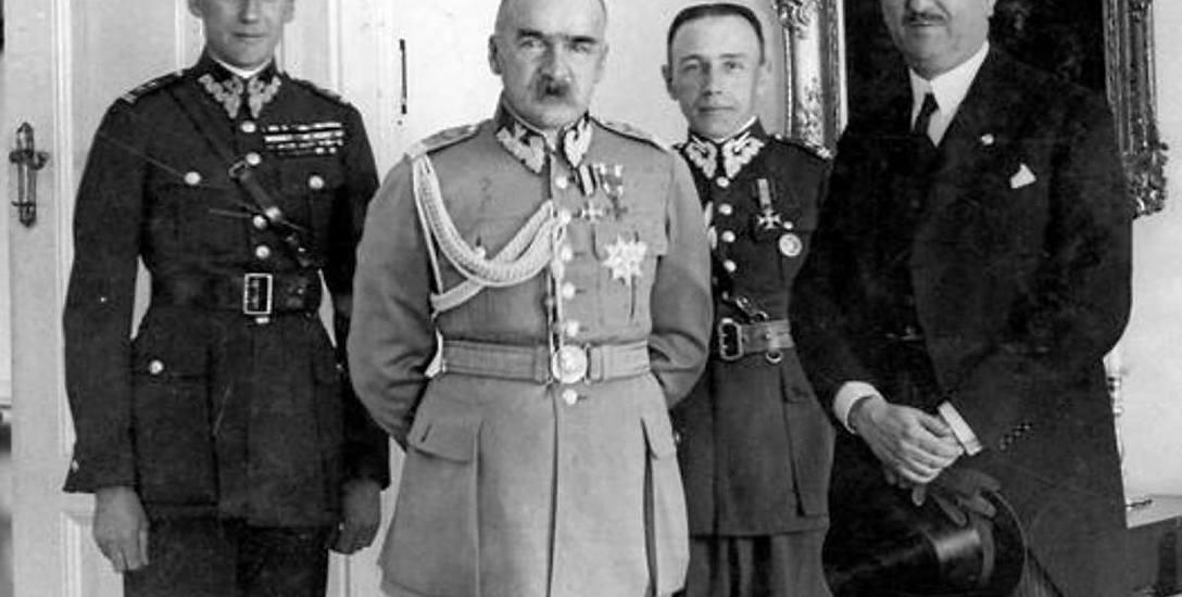 Józef Beck (z lewej) należał do najbardziej wiernych i zaufanych ludzi marszałka Józefa Piłsudskiego (w środku)