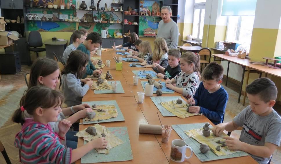 Film do artykułu: Pracownia ceramiczna w Końskich zaprasza! Od lutego zajęcia dla każdego