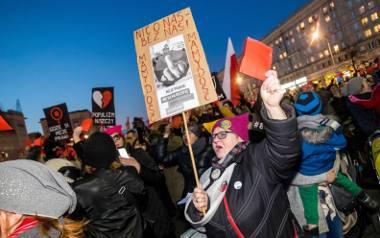 Protest na placu Konstytucji