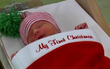Noworodki zamieniły się w świąteczne prezenty
