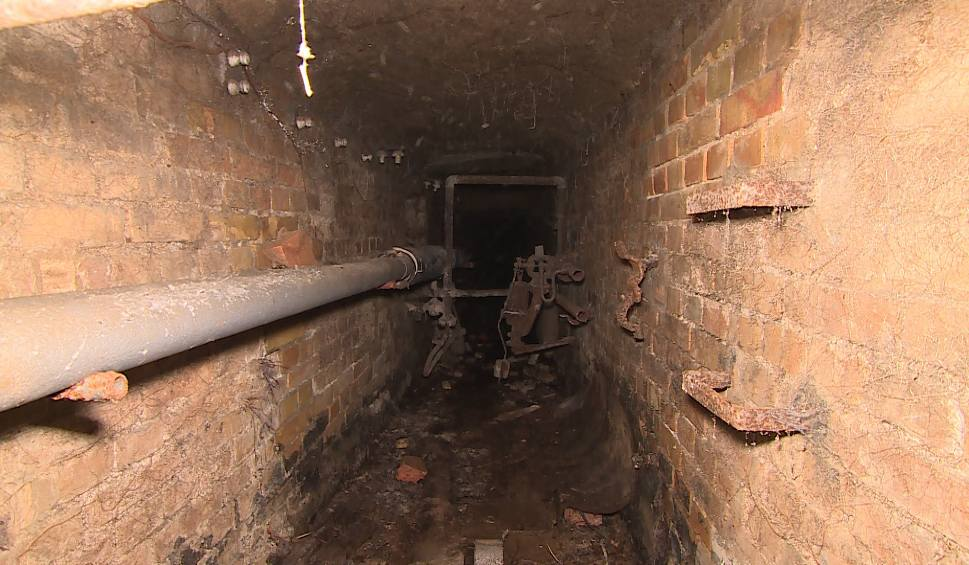 Film do artykułu:  Złodzieje przebili się sto metrów podziemnymi korytarzami w Obrzycach, aby dotrzeć do kościoła. Prześledziliśmy ich trasę