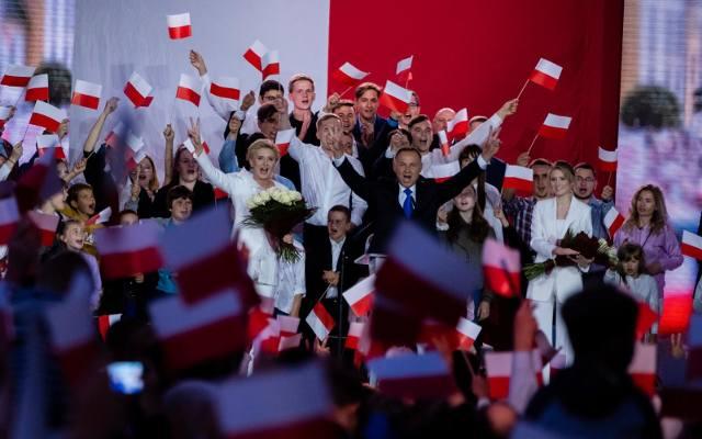 Andrzej Duda wygrał wybory. Zdobył 51,21 proc. głosów. Są nowe dane z PKW z 99,97 proc. obwodów. Rafał Trzaskowski otrzymał 48,79 proc.