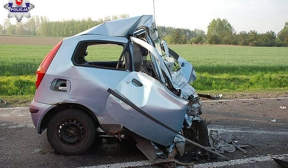 Film do artykułu: Wypadki na drogach woj. lubelskiego. Dwie osoby zginęły, kilka jest rannych