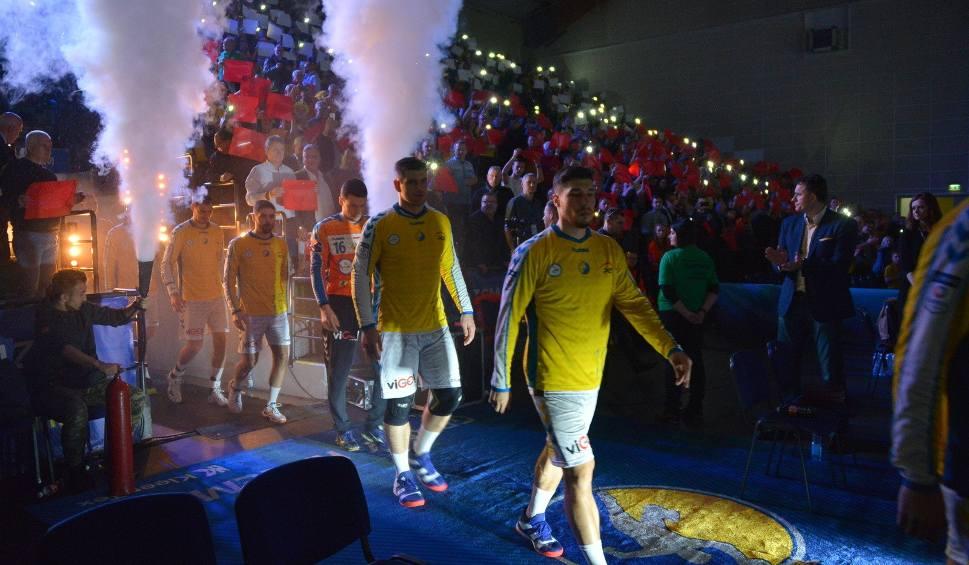 Film do artykułu: Piłkarzom ręcznym PGE VIVE Kielce posędziują w Zaporożu Słowacy, delegat z Macedonii