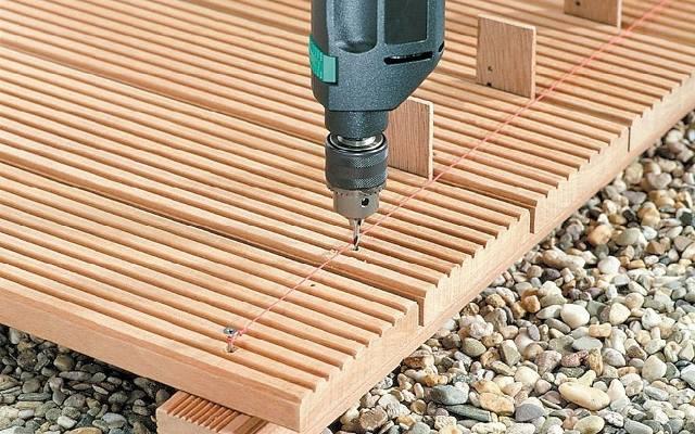 Taras z drewna egzotycznego: jego montaż i pielęgnacja