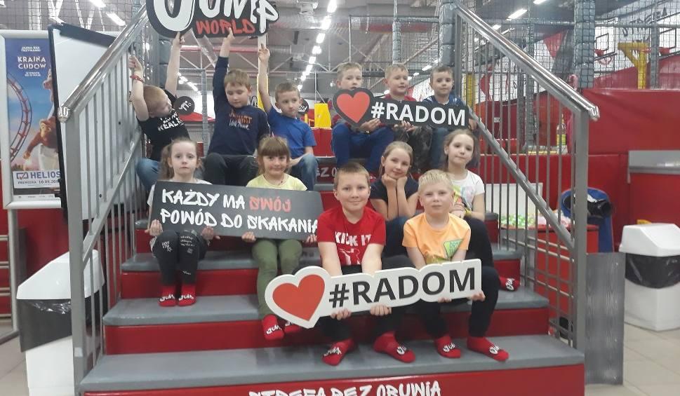 Film do artykułu: Pierwszaki 2018-19. Najsympatyczniejsza klasa w regionie bawiła się w Radomiu. To uczniowie z Mogielnicy