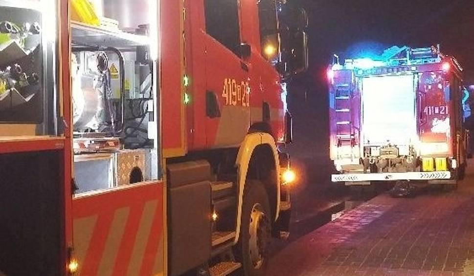 Film do artykułu: Tragiczny pożar w Jędrzejowie. Nie żyje kobieta