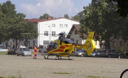 Na placu Kamińskiego wylądował śmigłowiec, który zabrał poszkodowaną do szpitala
