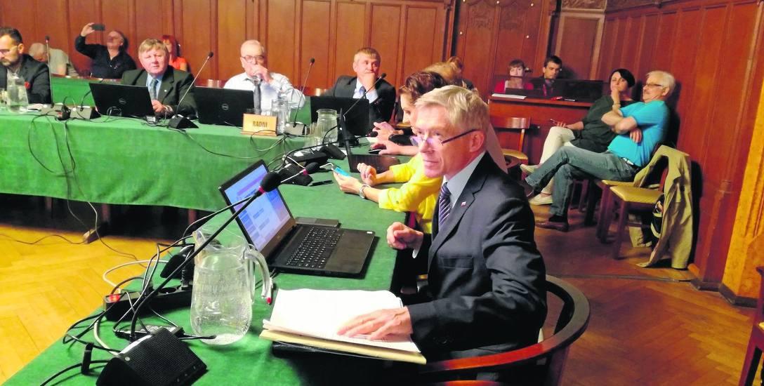 Radny Wojciechowicz nie mógł wczoraj przedstawić radnym swoich argumentów. Prezydent Biedroń postawił formalną tamę dyskusji o dotacji na Festiwal Scena
