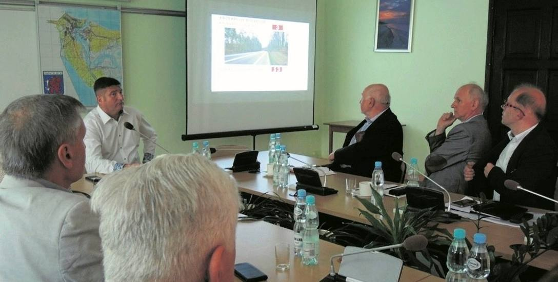 Konsultacjami w sprawie budowy S3 zainteresowali się radni, urzędnicy i mieszkańcy