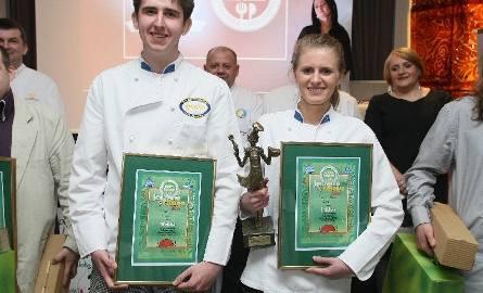Pierwsze miejsce wśród amatorów w konkursie Świętokrzyski Mistrz Kuchni zajęli Paweł Siwiec i Aleksandra Legut. Przewodniczący jury Mirosław Jabłoński,