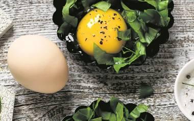 50 przepisów na potrawy z jajek [PRZEPISY NA WIELKANOC]