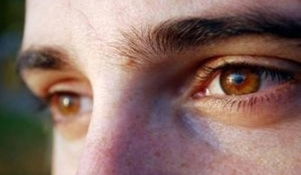 26bef1abb93f Uważaj na oczy podczas wakacji. Soczewki czy okulary lepsze podczas ...