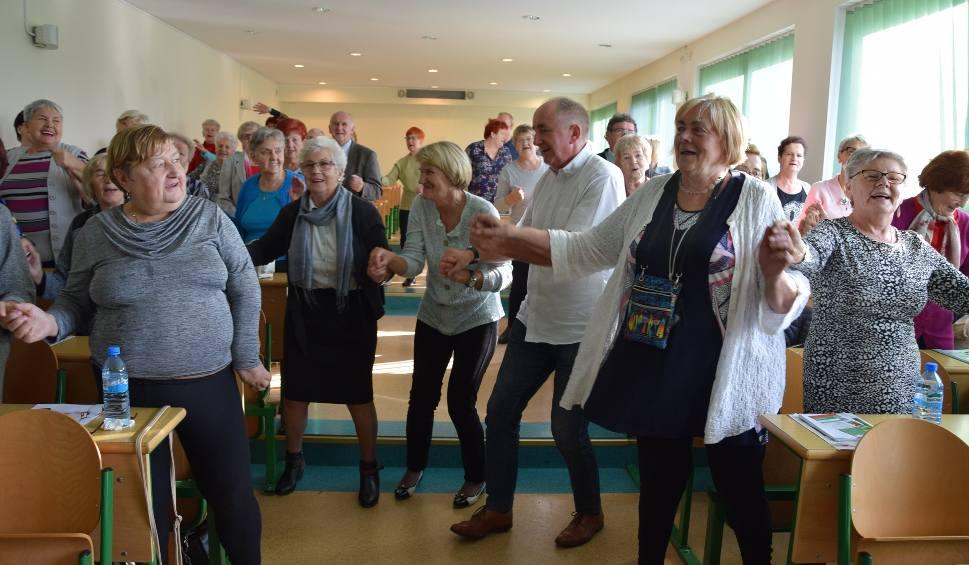 Film do artykułu: Bezpłatna konferencja dla seniorów w Człuchowie. O zdrowiu, diecie, aktywności ruchowej, a także ochronie przed oszustwami [Strefa Seniora]