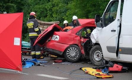 Oto dziesięć wypadków drogowych, które w 2019 roku wstrząsnęły mieszkańcami Podkarpacia.Zobacz też: Wypadek w Korytnikach. Na drodze wojewódzkiej nr