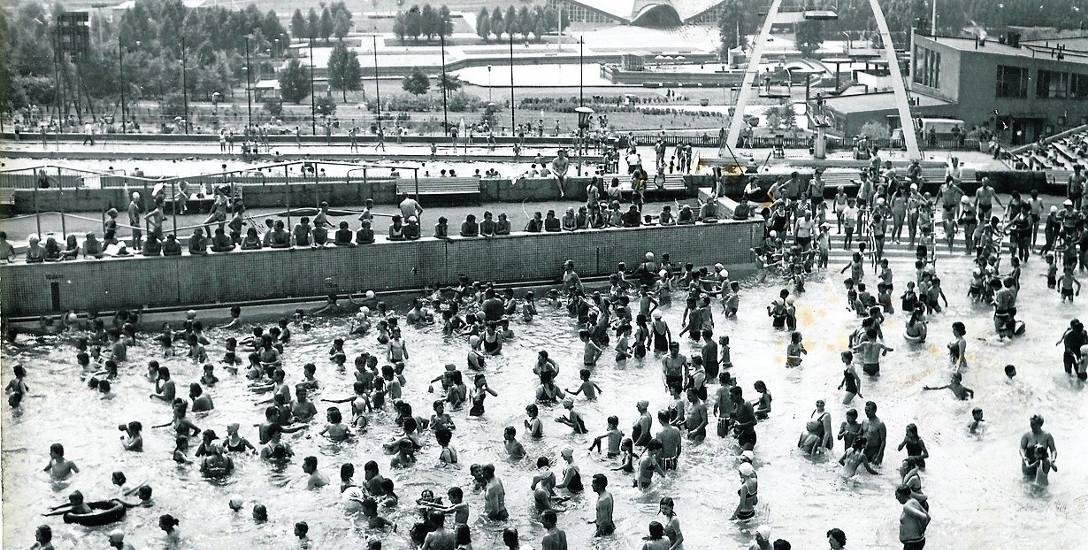 Rekord frekwencji na chorzowskiej Fali padł 14 sierpnia 1966 r. - obiekt odwiedziło wówczas aż 30 tys. osób