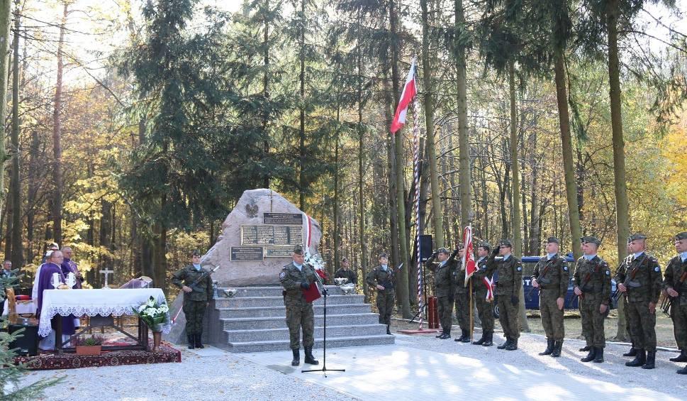 Film do artykułu: Gmina Rzeczniów. Rocznica tragicznej pacyfikacji wsi Zawały i Mołdawa. Pomnik ofiar niemieckiej zbrodni został odnowiony