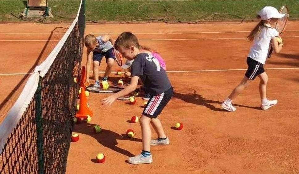 Film do artykułu: Oficjalne rozpoczęcie sezonu tenisowego w Starachowicach. Tenis Star zaprasza