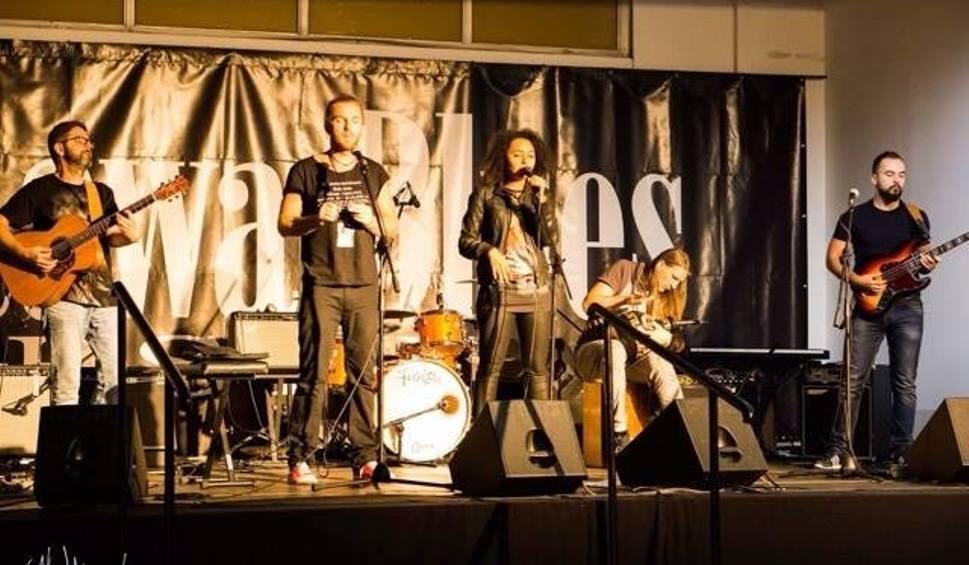 Levi - laureat tegorocznego Rawa Blues Festiwal w Katowicach. Od lewej: Grzegorz Skoczylas (gitara) Bartek Łuczyński (harmonijka), Ewa Novel (wokal),