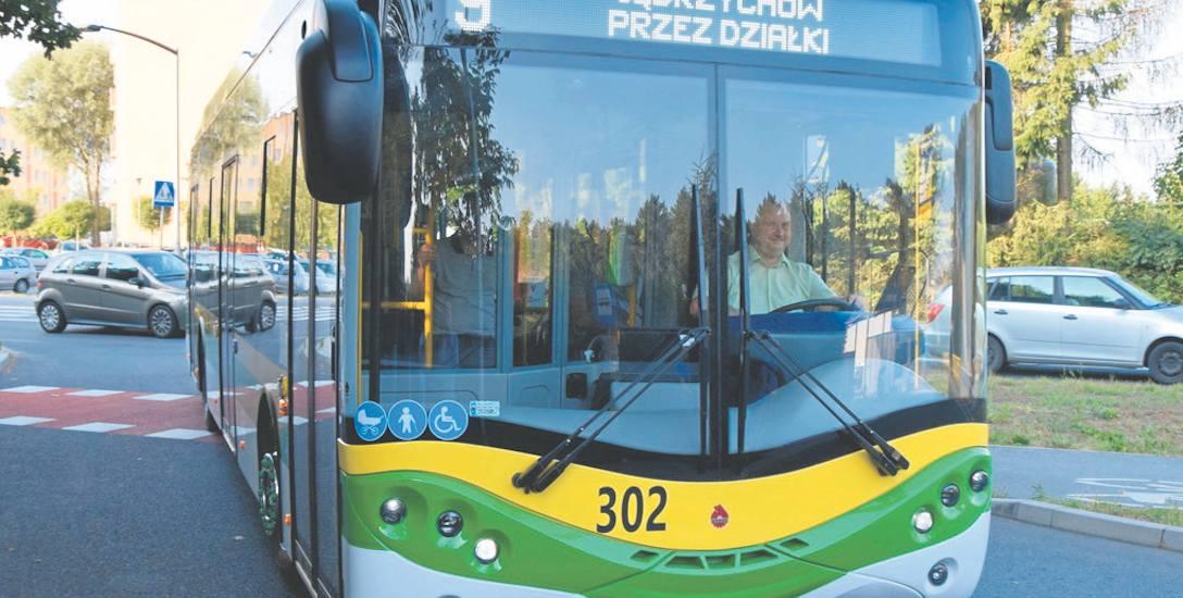 Kolejne elektryczne autobusy pojawiają się na ulicach Zielonej Góry. Wcześniej przyjechało do nas 17 przegubowców marki Mercedes. Do końca roku tabor