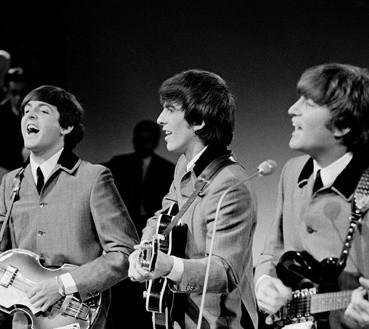 Beatlesi podczas koncertu dla holenderskiej telewizji [1]