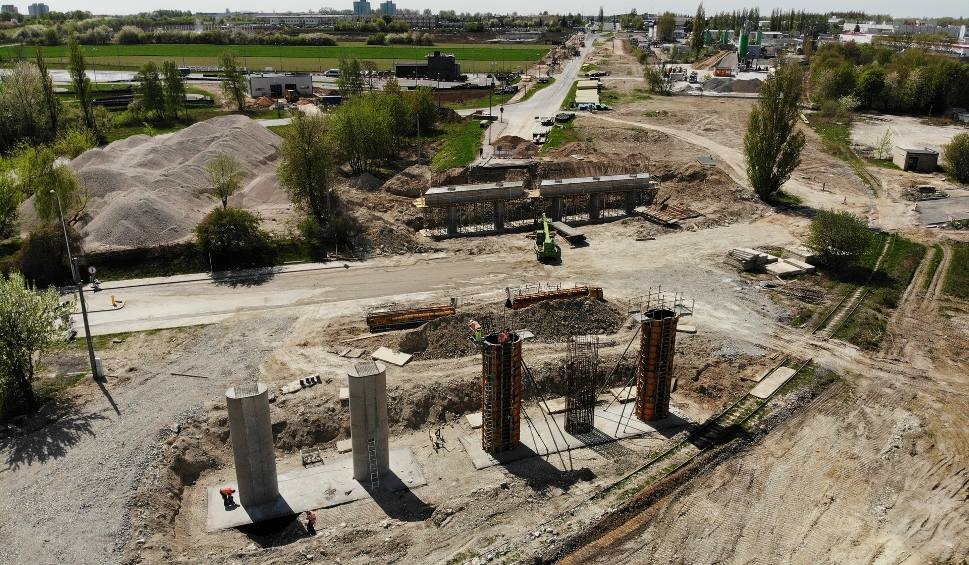 Film do artykułu: Przebudowa ul. Grygowej w Lublinie. Powstają nowe wiadukty drogowe (ZDJĘCIA I WIDEO Z DRONA)