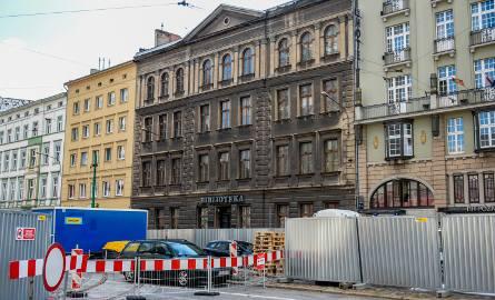 Biblioteka funkcjonowała w tym budynku do 2013 r.
