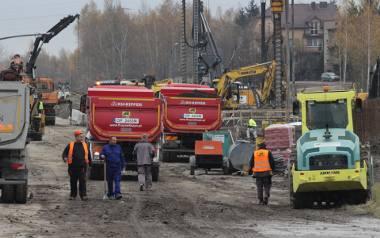 Drogowcy dwoją się i troją by skończyć budowę w terminie.