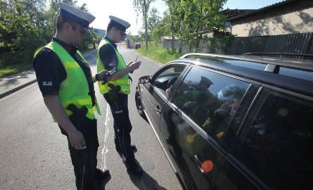 Kierujący pojazdami posiadający polskie prawo jazdy będą zwolnieni z obowiązku posiadania przy sobie i okazywania dokumentu podczas kontroli drogowej