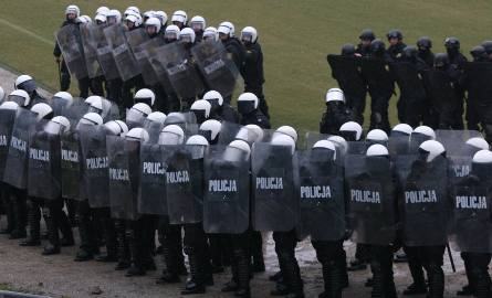 Policja kieruje do zabezpieczenia meczu poważne siły