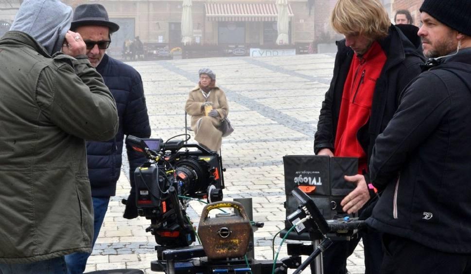 """Film do artykułu: Ekipa serialu """"Ojciec Mateusz"""" ponownie w Sandomierzu. Czym zaskoczy widzów? [WIDEO, ZDJĘCIA]"""