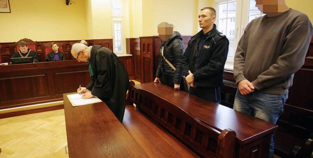 Ogłoszenie nieprawomocnego wyroku. Mężczyzna przepraszał żonę ofiary. Oskarżona płakała, że pójdzie do więzienia.