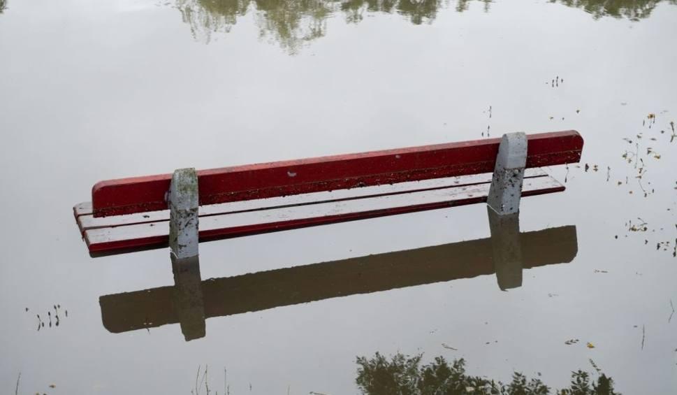 Film do artykułu: Deszcz zalewał Białystok (zdjęcia, wideo)