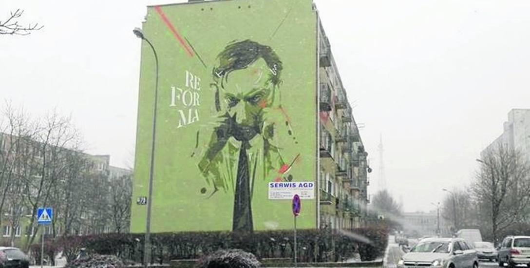 Zdaniem czytelnika, reklama nie pasuje do muralu.