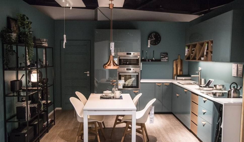 Film do artykułu: IKEA będzie wypożyczać meble. Najpierw zacznie od krzeseł i stołów