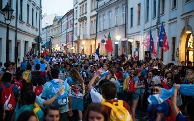 ŚDM w Krakowie. W poniedziałek przyjechało 170 tys. pielgrzymów [ZDJĘCIA]