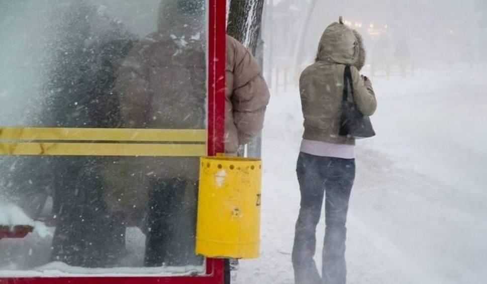 Film do artykułu: Pogoda długoterminowa: Nadciągają mrozy. Termometry pokażą nawet 20 st. na minusie. Mroźna aura utrzyma się... do wiosny!