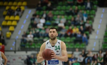 Po sześciu latach w Zielonej Górze Adam Hrycaniuk wraca do Gdyni