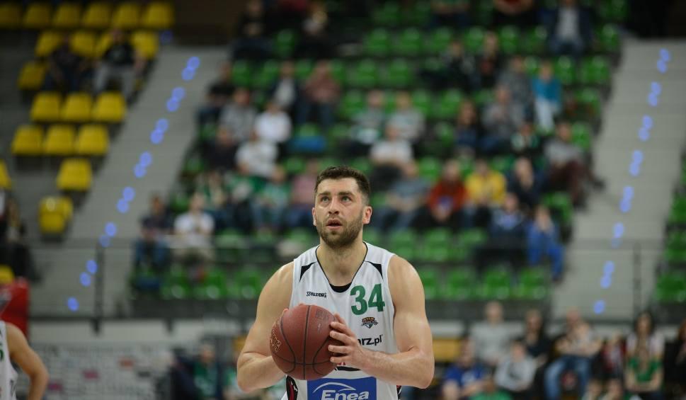 Film do artykułu: Adam Hrycaniuk odszedł z zielonogórskiego  Stelmetu Enei BC. Zagra w Arce Gdynia