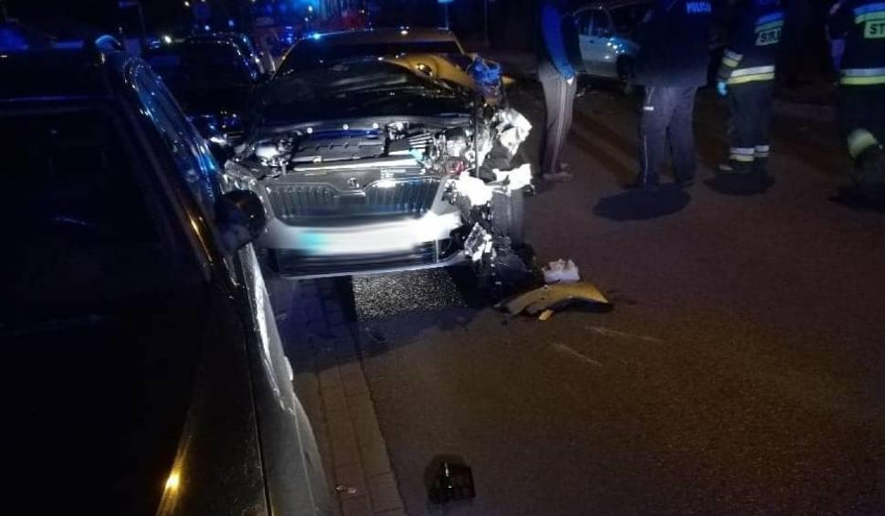 Film do artykułu: Gniezno: Wypadek zakończył się szarpaniną z przybyłymi na miejsce policjantami
