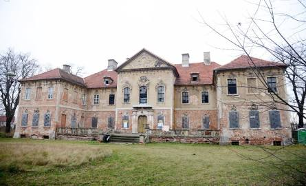 Remont zabytkowego w pałacu w Bojadłach. Jak przebiegają prace?