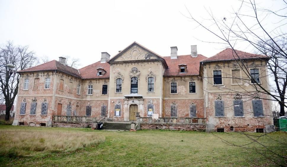 Film do artykułu: Remont zabytkowego w pałacu w Bojadłach. Jak przebiegają prace?