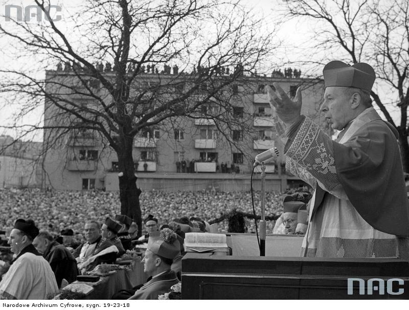 Prymas Polski ks. kard. Stefan Wyszyński podczas głoszenia homilii w Gorzowie Wielkopolskim