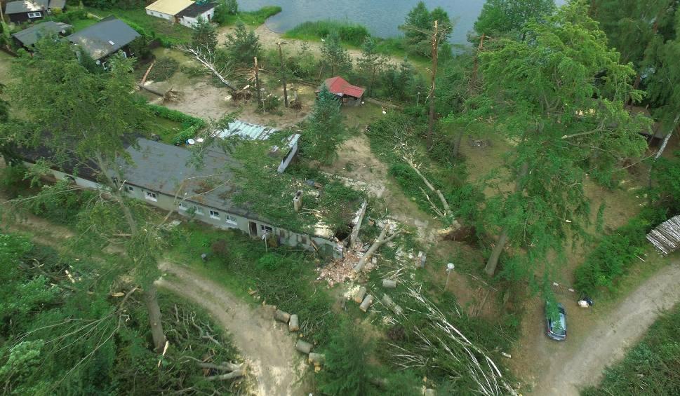 Film do artykułu: Burza w Złocieńcu 15.06.2019. Przeszła trąba powietrzna. Szkody są potężne [wideo, zdjęcia]