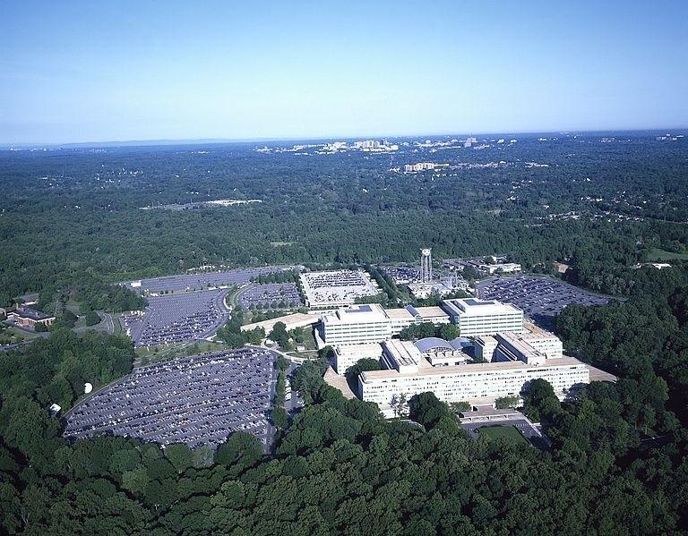 Widok z lotu ptaka na siedzibę Centralnej Agencji Wywiadowczej. Langley, Virginia