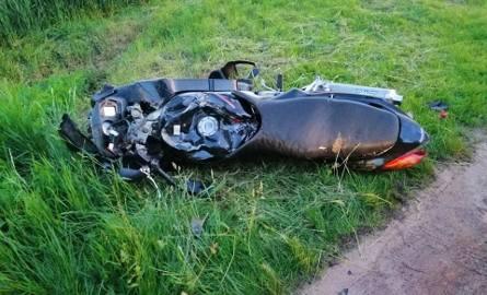 Wypadek między Lichnowami a Dąbrową 22.05.2019. Motocykl zderzył się z ciągnikiem rolniczym [ZDJĘCIA]