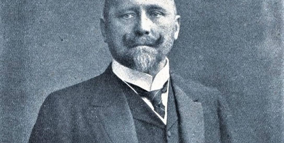 Witold Korytowski (1850-1923) jako minister skarbu aktywnie pomagał Galicji. Został Honorowym Obywatelem Nowego Sącza