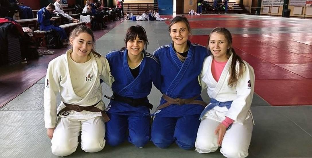 Maryla Kostyra (prawej) jest w kadrze narodowej juniorek. Wzięła udział w dwóch konsultacjach w Spale i w Bytomiu.